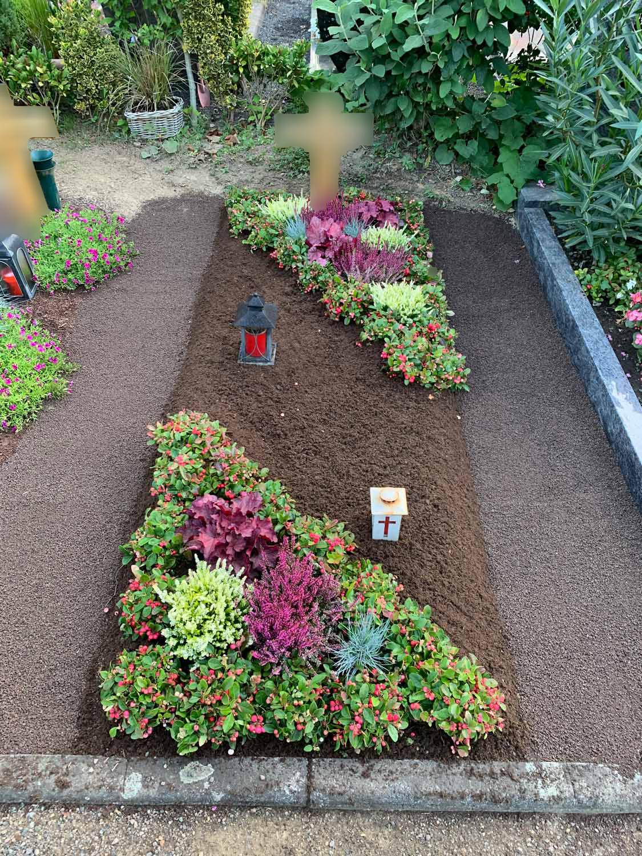 Beispiel einer Grabpflege bei Blumen Wahl in Frechen!